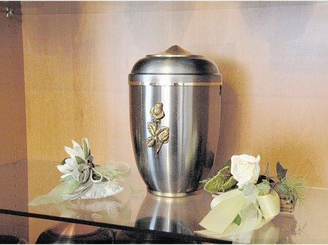 420559833-urne-wohnzimmerschrank-bestatt