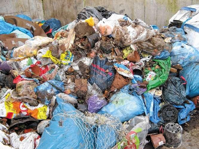 plastik geh rt nicht in den kompost rosenheim stadt. Black Bedroom Furniture Sets. Home Design Ideas