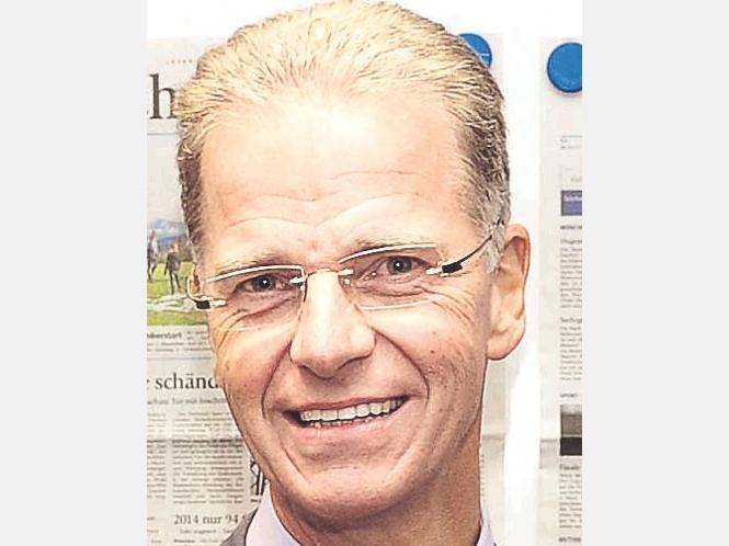 <b>Helmut Lind</b>,Sparda-Bank-Chef, kritisiert die Rasenmäherregulierung. - 891482273-64165775_526-kg34