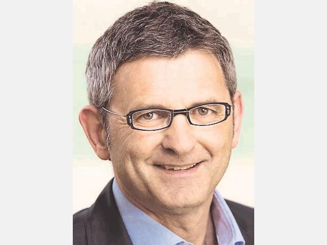 Dr. <b>Ulrich Boenisch</b> ermöglichte Khedira die Teilnahme an der WM - 692785702-65040244_526-hM34