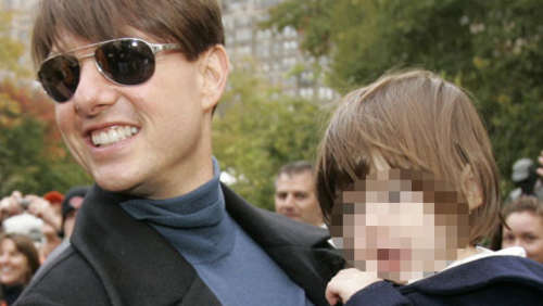 Töchterchen Suri stylt Papa Tom Cruise