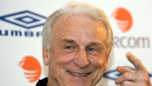 Trapattoni bleibt irischer Nationaltrainer