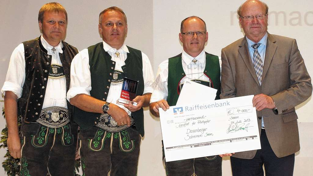 schreinerei daxenberger spendet 4000 euro fur flutopfer
