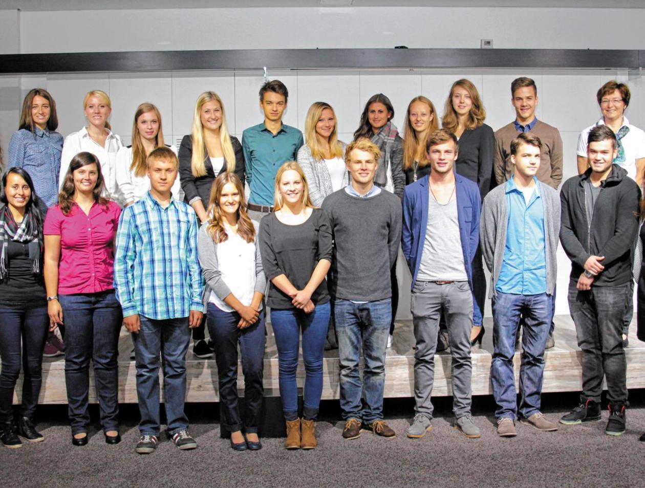 15 neue Auszubildende starten bei Gabor ins Berufsleben