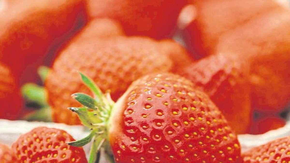 wie viele erdbeeren sind im erdbeerjoghurt wirtschaft. Black Bedroom Furniture Sets. Home Design Ideas