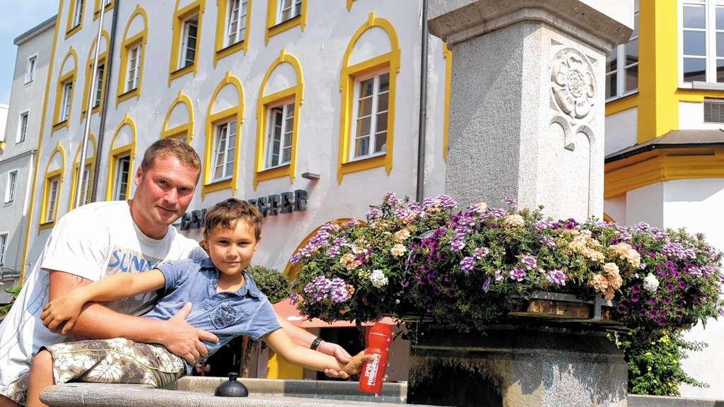 Brunnen: Stadt gibt Rätsel auf   Rosenheim Stadt