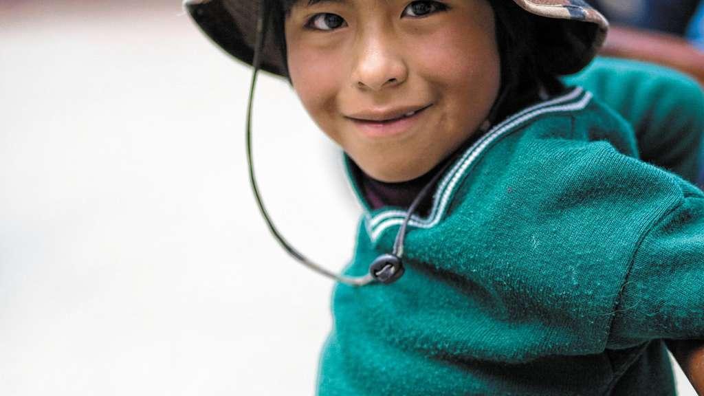 Kinder wie diesen Bub unterstützt die IKJH auf dem Weg in ein Leben ohne bittere Armut. Foto re