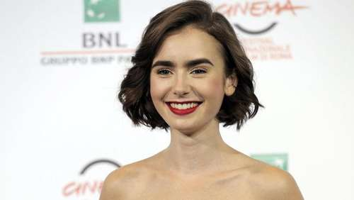 "Lily Collins als Magersüchtige in ""To the Bone"""