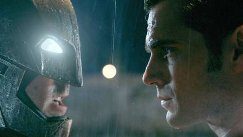 """Batman v Superman"" räumt an US-Kinokassen ab"