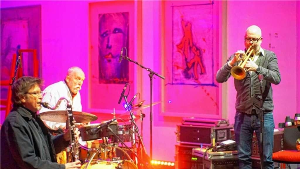 Am Saxofon Udo Schindler, Günther Baby Sommer am Schlagzeug und Marco von Orelli an der Trompete. Giesen