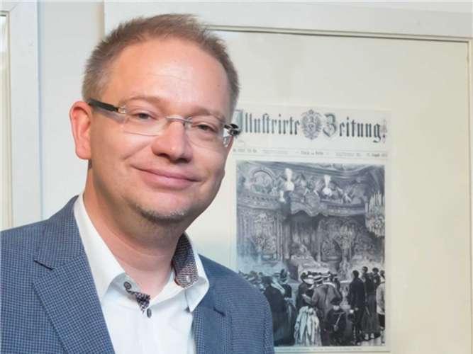 Marcus Spangenberg stellte die Exponate aus seiner Sammlung zur Verfügung und führte bei der Vernissage thematisch in die Ausstellung ein. Berger