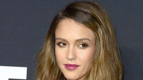Jessica Alba: Friedensappell bei den Teen Choice Awards