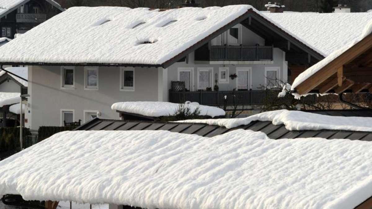zuviel schnee am dach kann das haus gef hrden wirtschaft. Black Bedroom Furniture Sets. Home Design Ideas