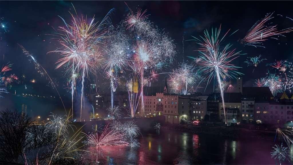 Neues Jahr laut und bunt begrüßt | Wasserburg