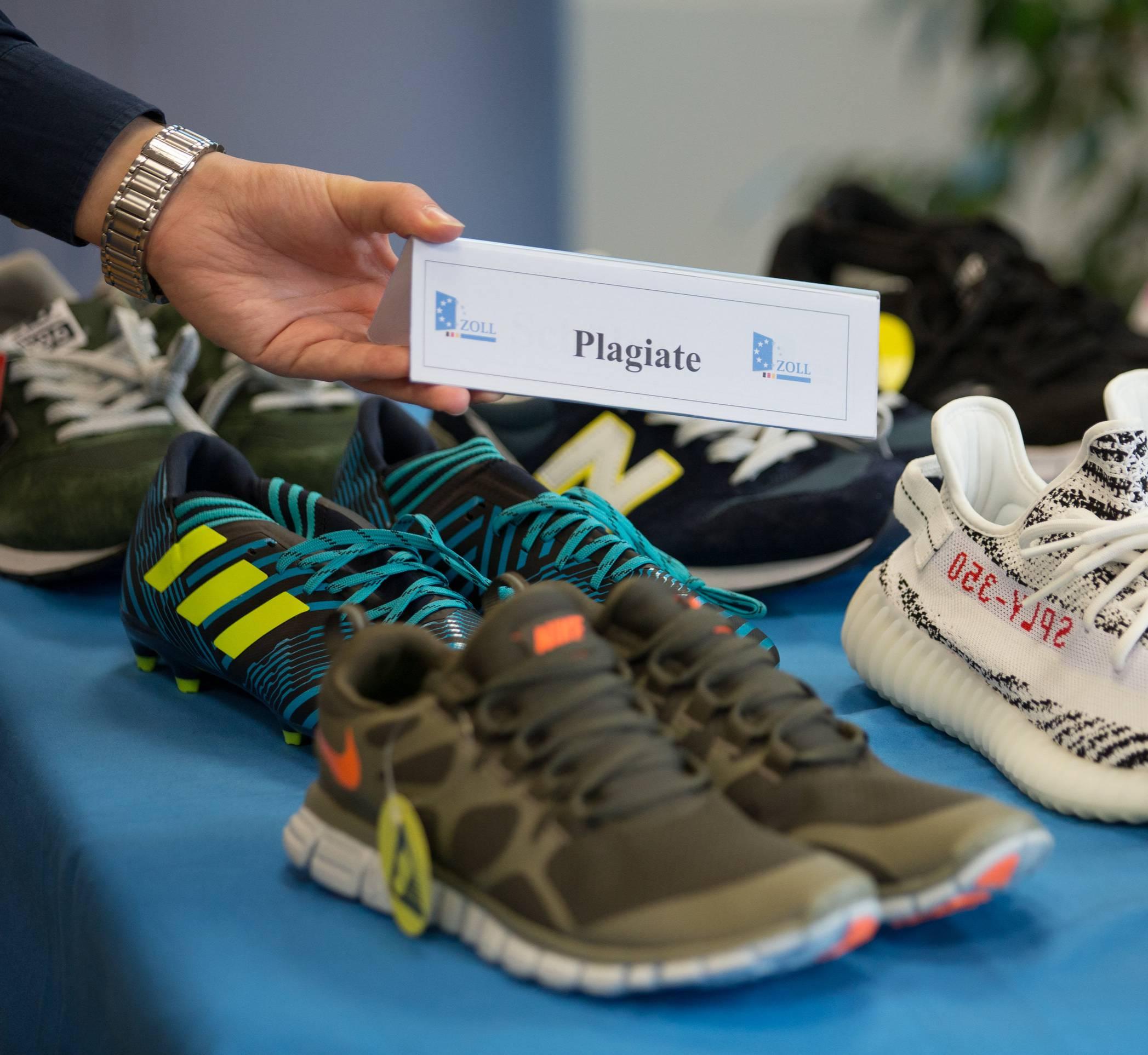 aldi uk stores, ALDO STORO Sneaker in schwarz Damen Schuhe
