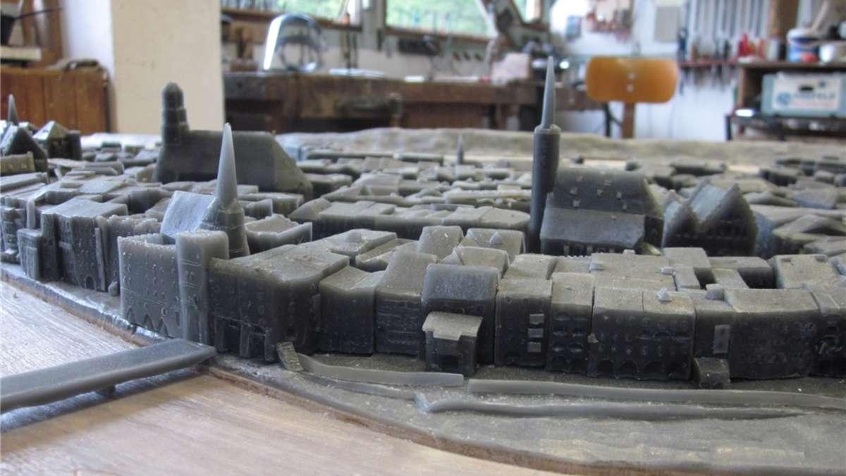 Wasserburg auf der tischplatte wasserburg - Tischplatte ecke ...