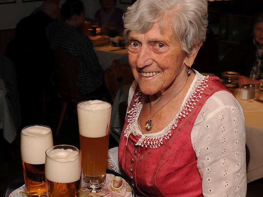 Trauer Um Die Wirts Kathi Von Naring Ausnahme Bedienung Katharina Kink Mit 96 Verstorben Landkreis Meldungen